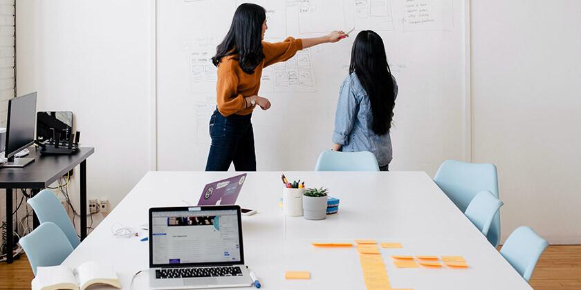12 znamenj se je združilo na projektu in sodelujejo v eni pisarni