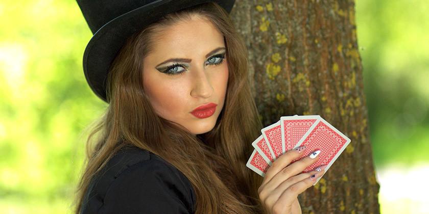 Vedeževanje s pomočjo igralnih kart