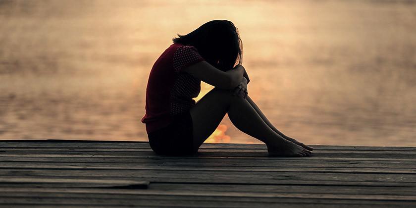 Bralko Natalijo pestijo družinske težave v povezavi z bolnim očetom