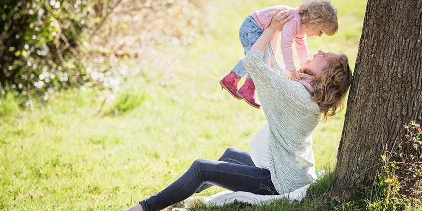 Mož bralki preprečuje vrnitev v službo, saj želi da bi bila doma z otroci