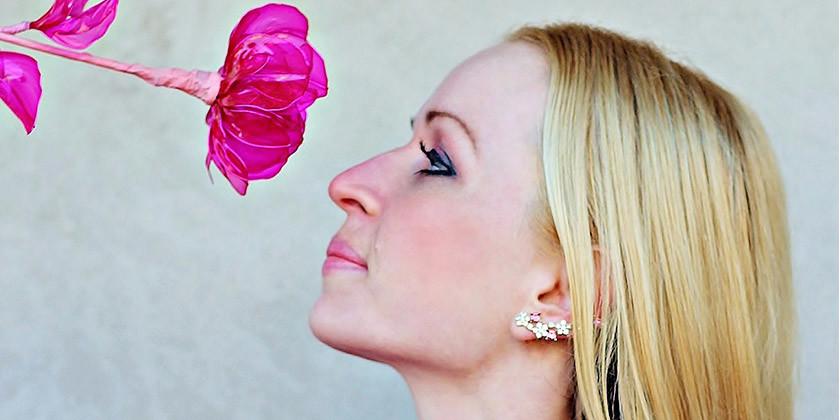 Vas zanima kako lahko omilite ali odpravite menstrualne težave?