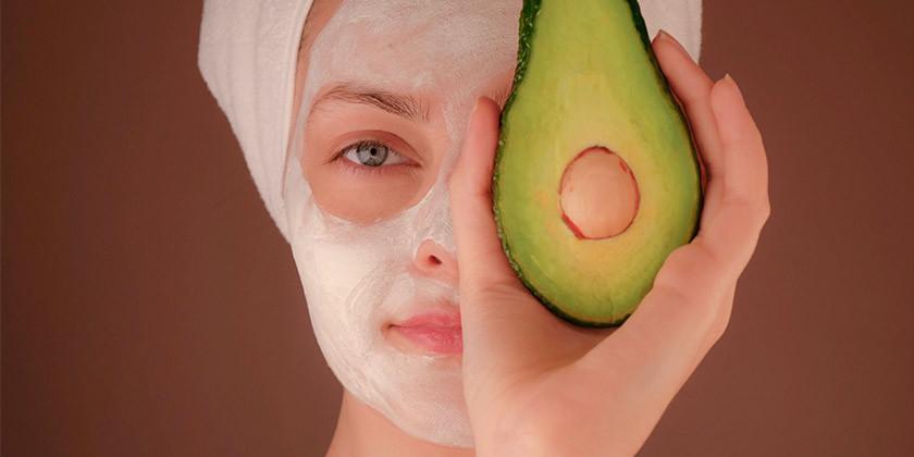 Kakšne so koristi avokadovega olja za kožo in najboljši načini njegove uporabe?