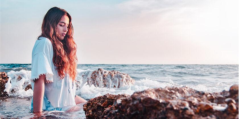 Rojene v katerih znamenjih najraje plujete in se prepustite oceanu?