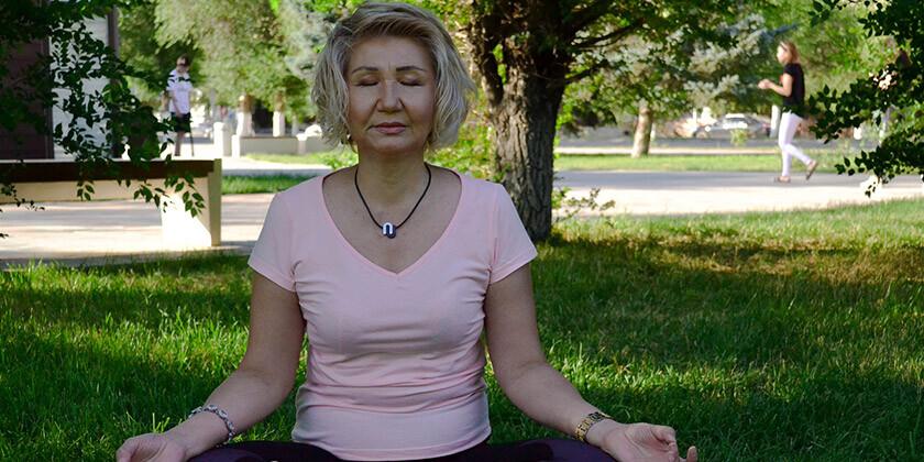 Meditacija je umirjanje in poglabljanje vase, ki odlično vpliva na sproščen um