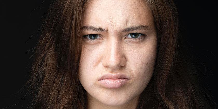 Kako na lažji način prekiniti odnose, ki vas utesnjujejo?