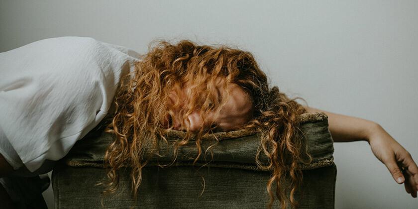 Katere motnje in težave so tesno povezane s spanjem?